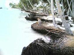 Hulhudheli_beach_erosion.jpg